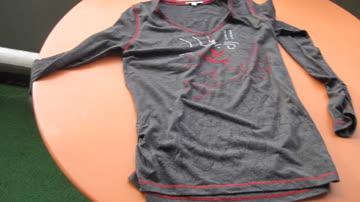 Cassani-Shirt, schwarz mit Silber und rot, langärmlig, 38