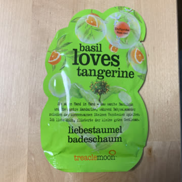Basil loves tangerine Badeschaum