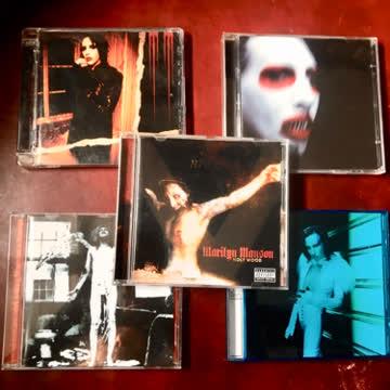 5x Marilyn Manson!