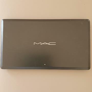 Leere MAC Palette