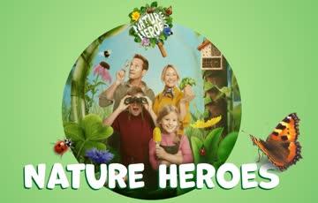 1 Sammelkarte mit 20 Sammelmarken - Nature Heroes