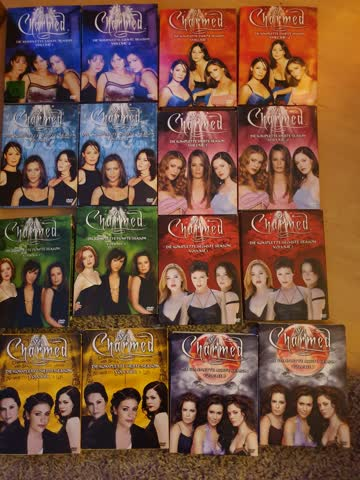 Alle 8! Staffeln Charmed. Alles tiptop. Evw einige Kratzer.