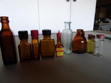 Glasflaschen als Deko - klein - verschiedene Formen