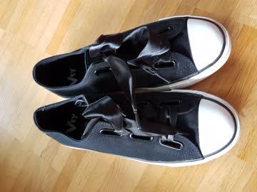 Sportliche und elegante Schuhe Gr. 38