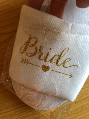 NEUE, defekte Braut Hotel-Slipper weiss