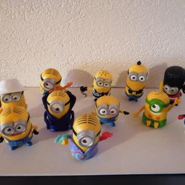 11 Minion Figuren