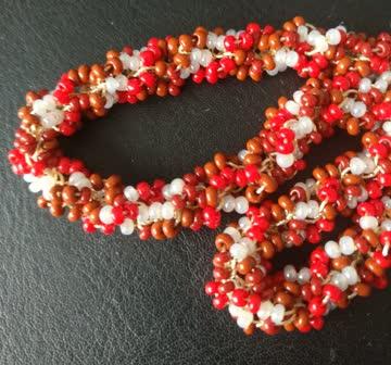 36cm Rocailles Halskette (braun-rot-weiß)