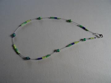 Hals-Kette, fein, Silberdraht - kleine Glasperlen