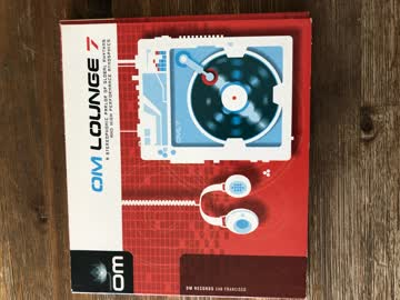 CD , OM Lounge 7