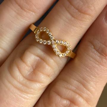 Ring mit Ewigkeitszeichen