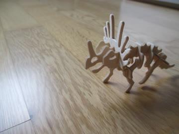 Dino-Fans aufgepasst: 21 Dinosaurier Steckskelette aus Holz