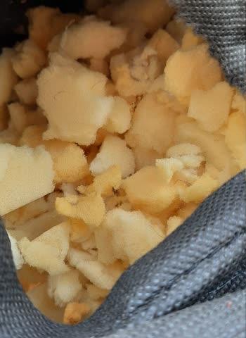 Grosser Sack mit Schaumstoff - Füllmaterial