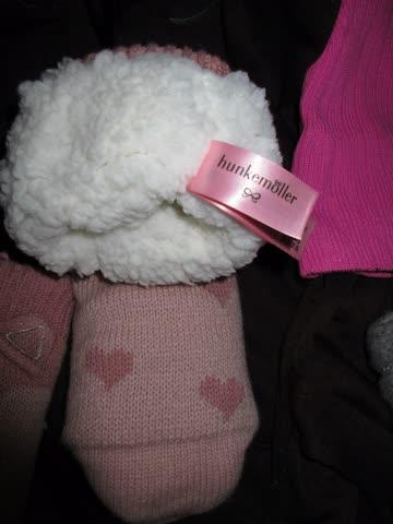 Winter-Set Kleider Schal Kappe Kuschel Finke-Socken Hoodie