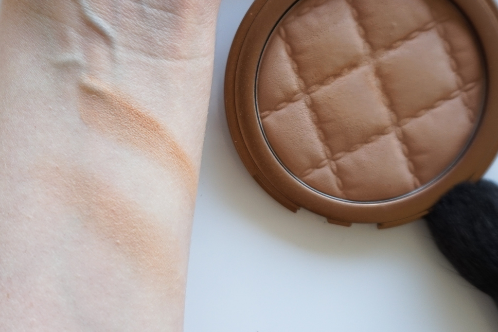 Laura Geller Beach Matte Baked Hydrating Bronzer Sunrise Fair recenzia review swatches