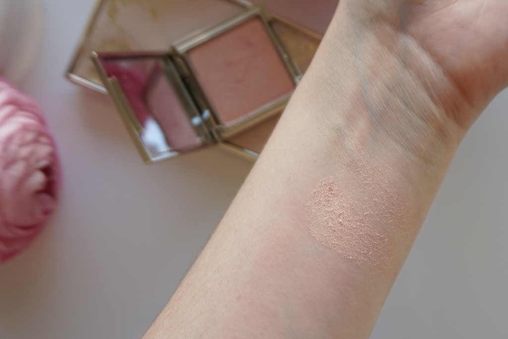 Jouer Blush Bouquet Dual Blush Palette Coquette seduce me tease me licenka paletka powder highlighter rosegold swatches recenzia