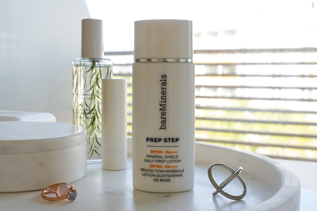 bareMinerals Prep Step Mineral Shield SPF50 recenzia swatches review