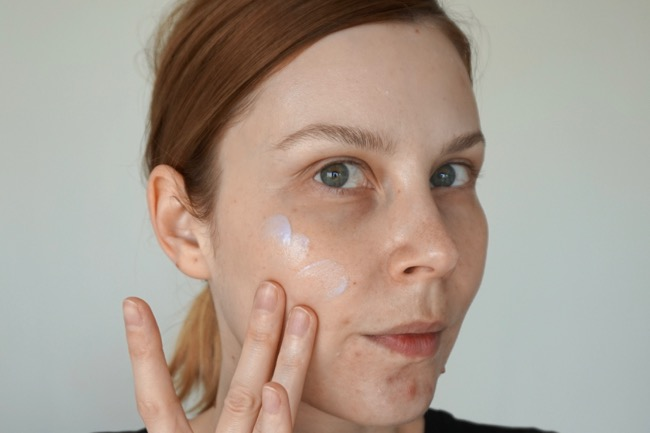 Becca First Light Priming Filter Instant Complexion Refresh swatch review recenzia