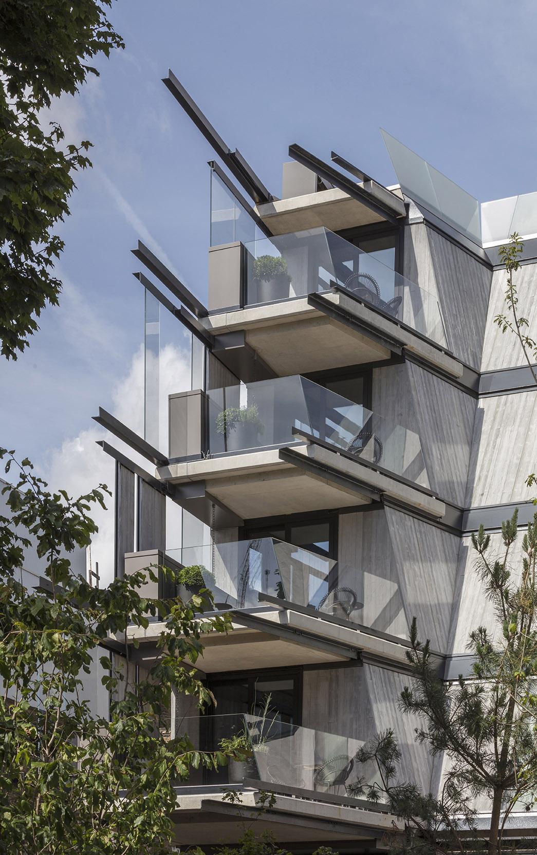13 007 nobu hotel facade detail 2