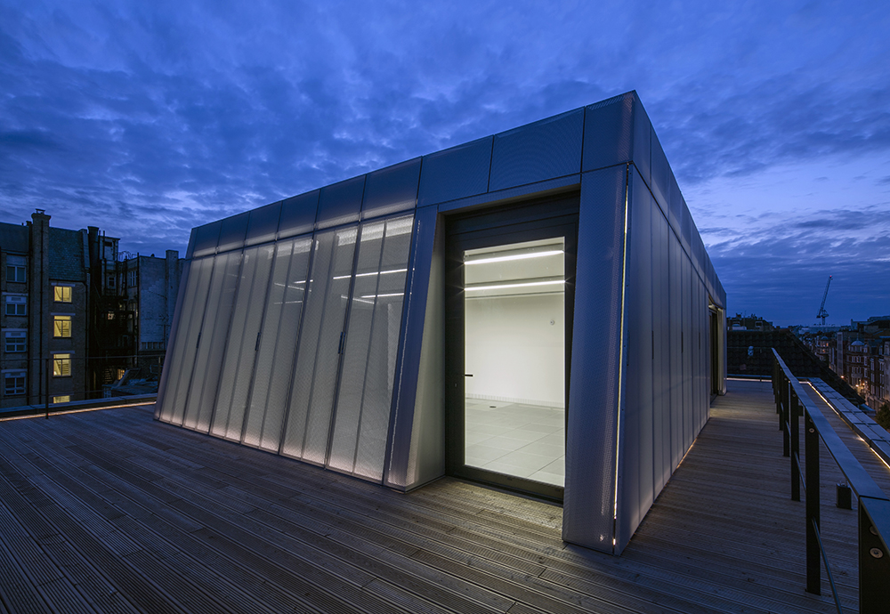 12 043 roof pod exterior view 2 night
