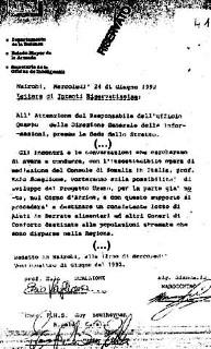 """En 1992 a été signée à Nairobi, Kenya, cette """"lettre d'intentions"""" classée """"réservée"""" sur papier à en-tête de l'Administration Territoriale du Sahara. On peut y lire: """"Les rencontres et les conversations que nous essaierons d'avoir et de conduire, avec l'œuvre irremplaçable du Consul de Somalie en Italie, le professeur Ezio Scaglione, porteront sur la possibilité de développement du Projet Urano, pour la partie déjà connue, dans la Corne d'Afrique…"""" Le """"Projet Urano"""", initialement destiné à écouler des déchets toxiques dans le Sahara Occidental, est """"exporté"""" dans la Corne d'Afrique. Ce document est signé par Guido Garelli, pour l'Administration Territoriale du Sahara, par Ezio Scaglione, consul de Somalie en Italie, et par Giancarlo  Marocchino, entrepreneur italien vivant en Somalie.  - JPG - 31.2ko"""