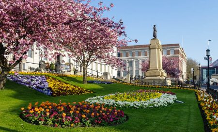 Town Hall Gardens by Phil Edwards