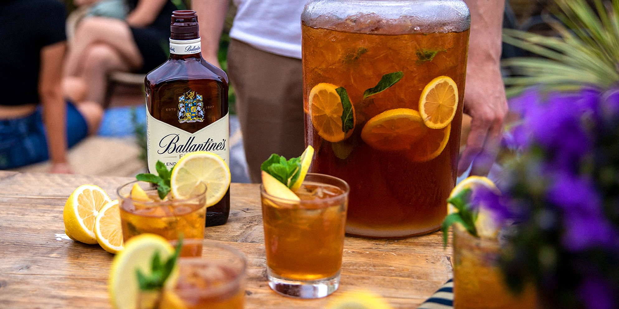 Whisky Cocktails | Whisky Peach Tea Punch | Summer | Ballantine's