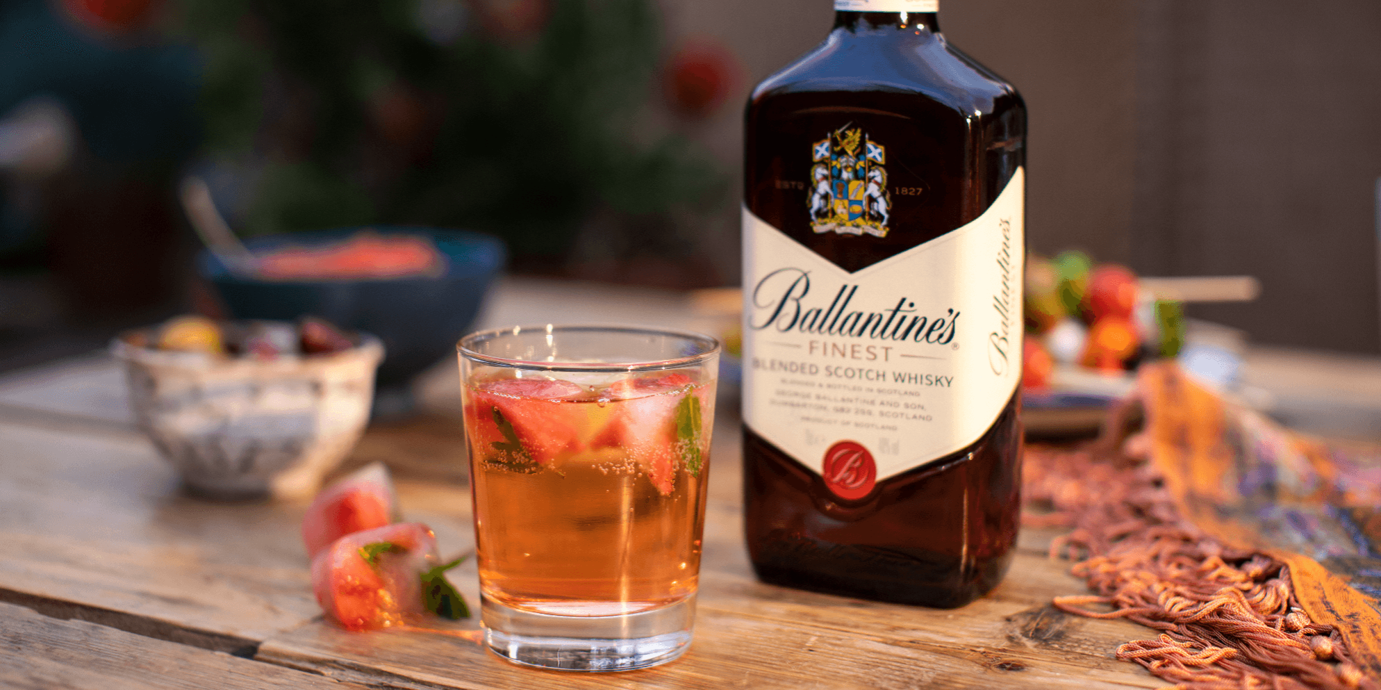 Ballantine's Strawberry Whisky Fizz