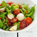 Capri salat kaht sorti tomatiga