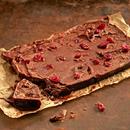 Šokolaaditahvel jõhvikate ja kakaopaladega