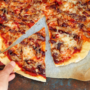 Rebitud põrsalihaga pitsa