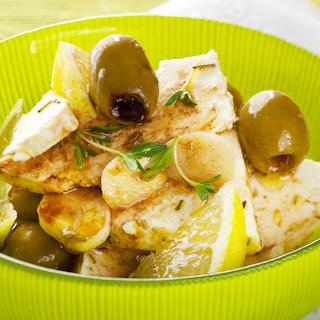 Marineeritud juustu-oliivisegu
