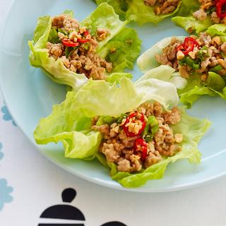 Aasiapärased broileri-salatikorvid
