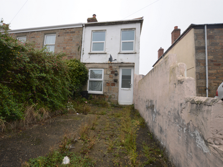 3 BEDROOM END-TERRACE PROPERTY OFFERED FOR ONLINE AUCTION
