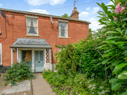Refurbishment opportunity on a Victorian 3 bedroom end terrace
