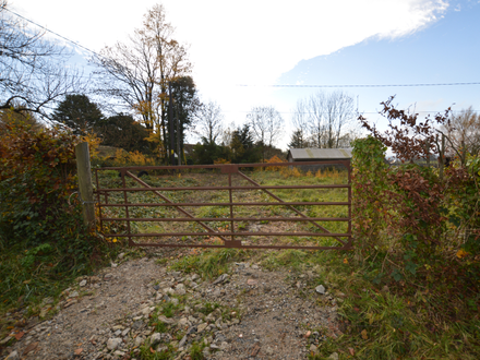 Enclosed and Gated Versatile Paddock circa 0.27 acre.