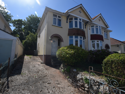 3 BEDROOMED SEMI-DETACHED HOUSE IN NEED OF MODERNISATION