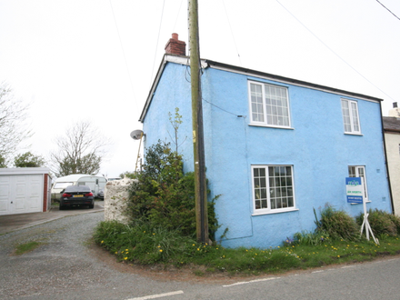 Charming 2 Bedroomed Cottage on the Edge of the Village