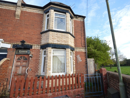 Three double bedroom end terrace house