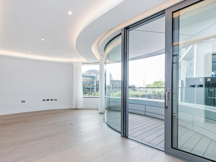 Stunning new 2 bed riverside apartment in Foster designed building
