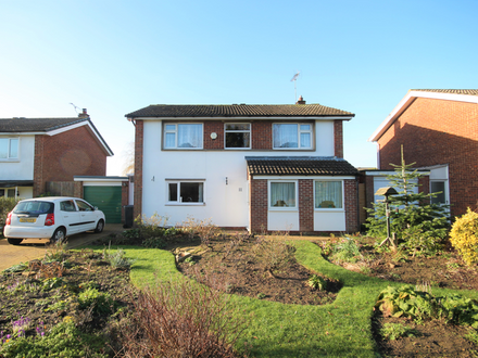 4 BEDROOM DETACHED HOUSE IN THE POPULAR VILLAGE OF COPMANTHORPE