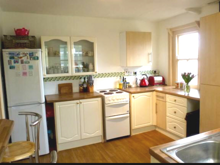 3 Bed Terrace House, Calne, SN11 8AD HMO Options + £5000 Cash back to sell rear land.