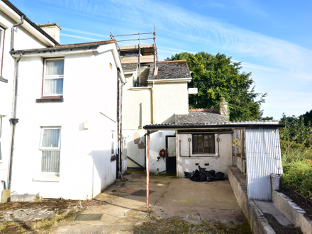 A centrally located Maisonette with Planning Permission