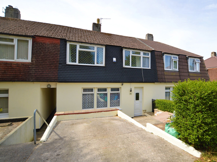 CASH BUY ONLY! Immaculate three bedroom family home