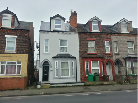 Spacious three storey semi detached property with four lettable double bedrooms.