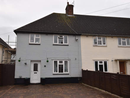 Immaculate Three Bedroom Semi Detached House with No Chain