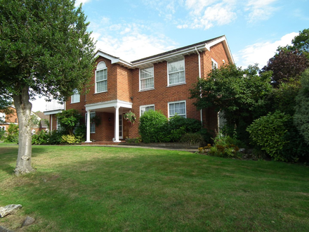 Superb 4 Bed Detached House in Sought After Hertfordshire Village Within The Commuter Belt