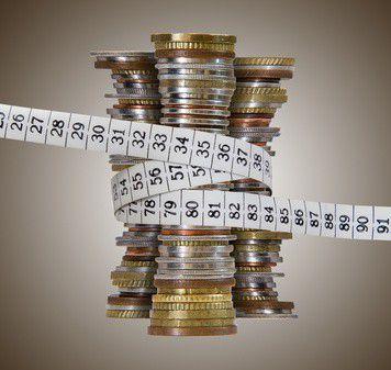 A nemzetközi átlagnál 50%-kal kevesebbet takarítunk meg fizetésünkből