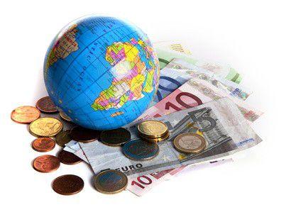 13,66 euróba kerül egy átlagos céges devizautalás – Hol a legolcsóbb?