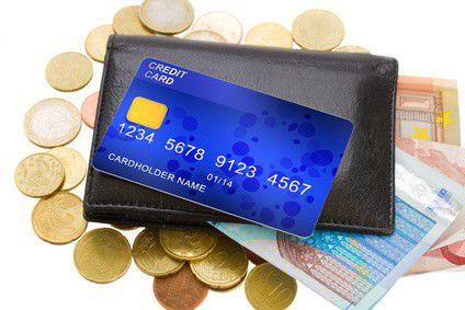 Hogyan kaphatsz 8%-os pénz visszatérítést kártyás vásárlásaid után?