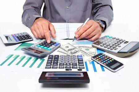 Mi kerül sokba a céges bankszámlán? A bankköltség, vagy a tranzakciós illeték?